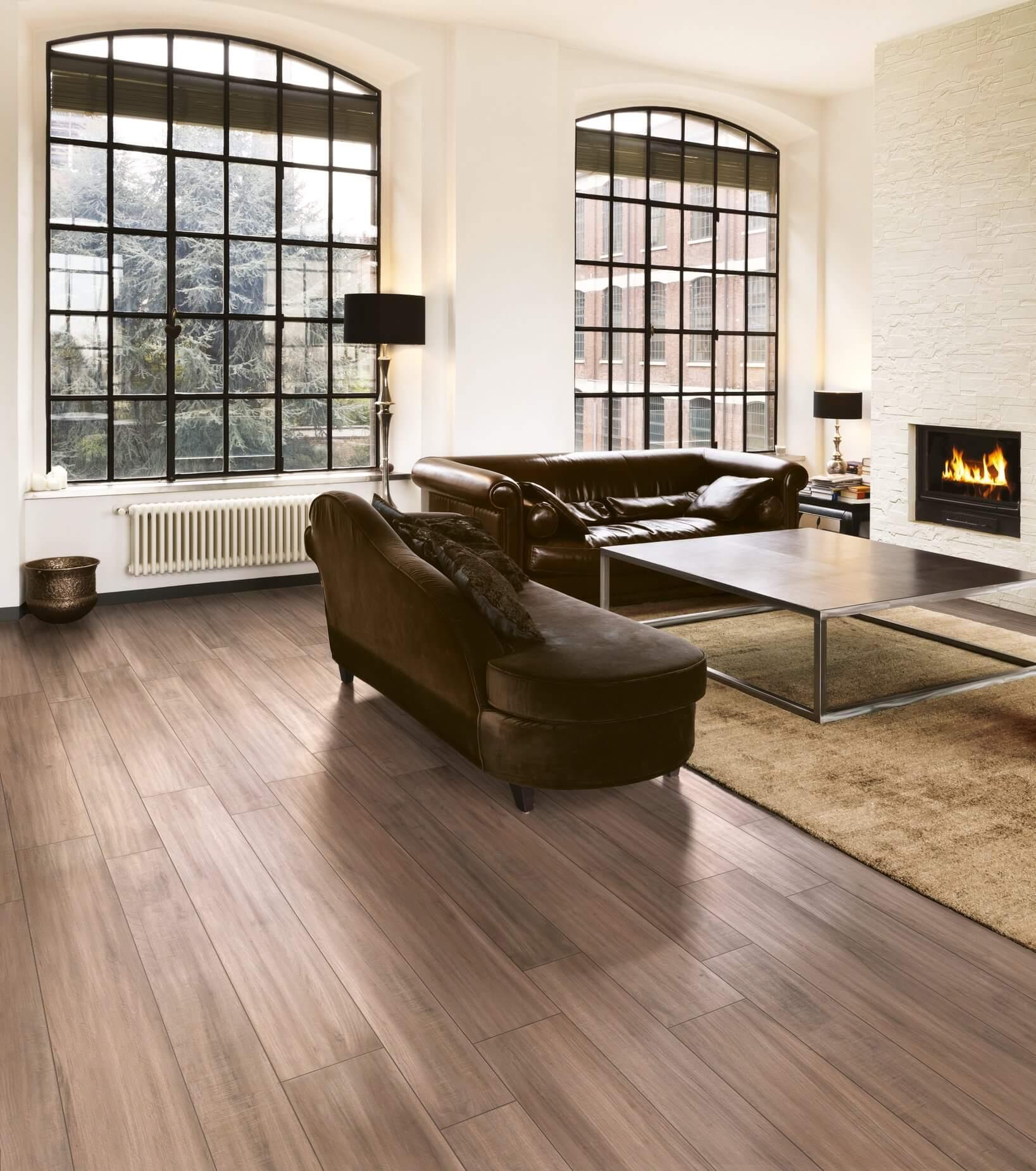 Keramisch parket houtlook maar onderhoudsvriendelijk en for Bruine tegels