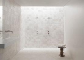 Wandtegels badkamer: licht en naturel